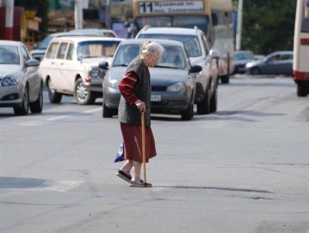 75-летняя волжанка оказалась под колесами «Хендэ Солярис»