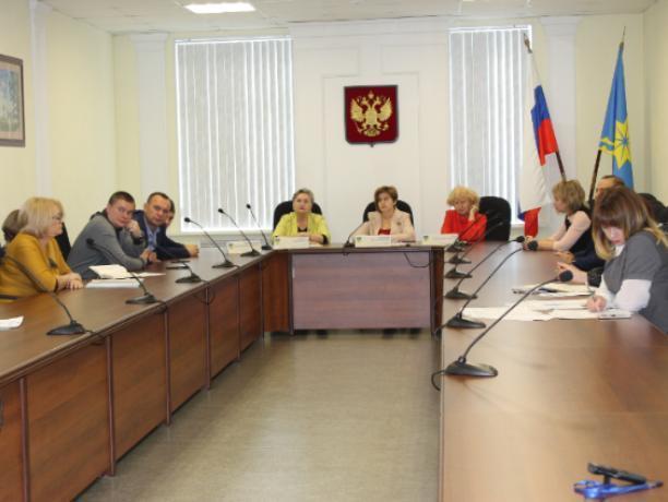 Депутаты Волжского обсудили возрождение «молочных кухонь»