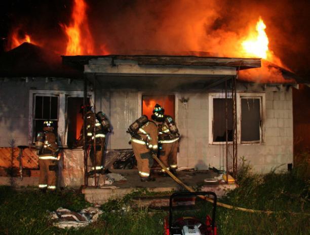 Под Волжским в доме случился пожар