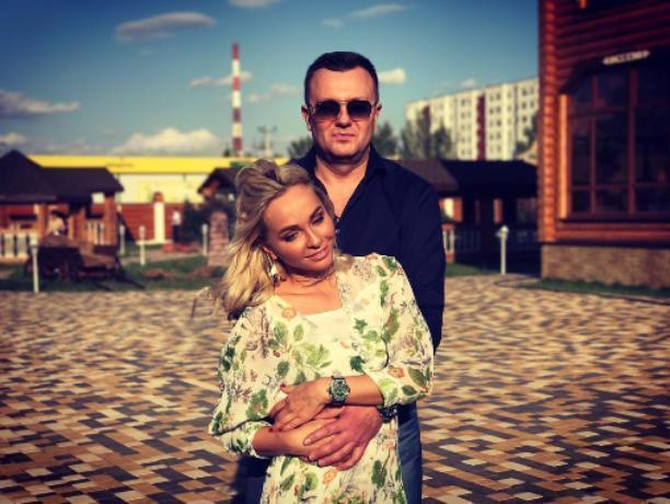 Экс-участница проекта «Дом-2» Наталья Варвина посетила родной Волжский ради торжества