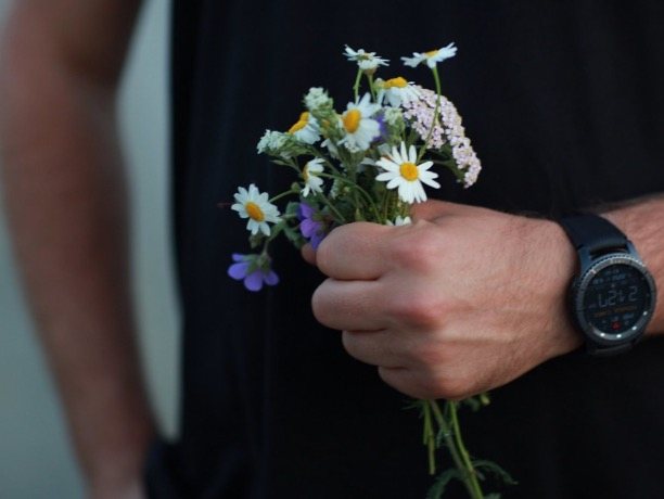 Больше половины волжан дарят цветы просто так