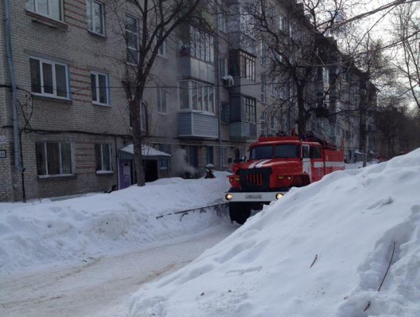 В многоэтажке Волжского горел подвал