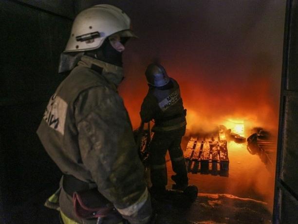 Сегодня ночью в Ленинске произошел пожар в жилом доме