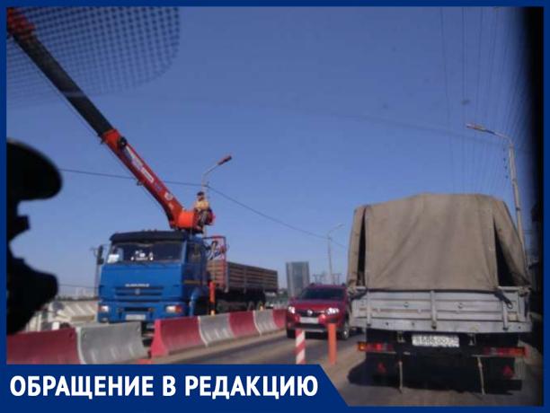 Большегрузы, игнорируя запреты, создают пробки на Волжской ГЭС