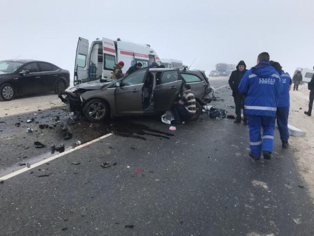 Появилось видео жуткой аварии, в которой пострадало шесть человек