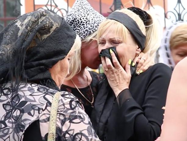 Мать погибшего при взрыве на барже волжанина заявила на похоронах, что дело «хотят замять»