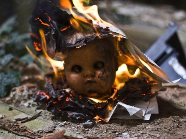 Двухлетняя малышка погибла в пожаре «на глазах» у пьяной матери