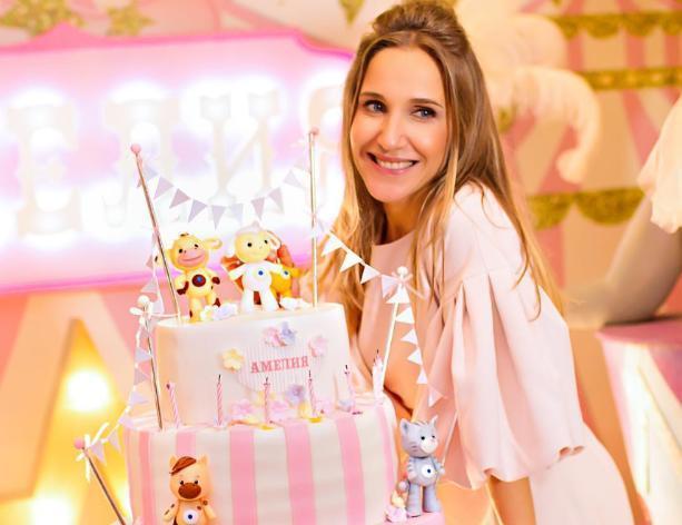 Волжанка Юлия Ковальчук рассказала, как отпраздновала день рождения дочери