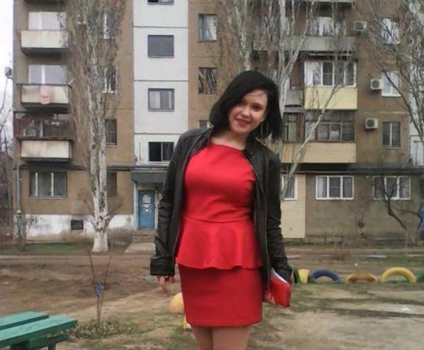Скандальная учительница из Волжского Ангелина Дорофеева за совращение подростка получила два года условно