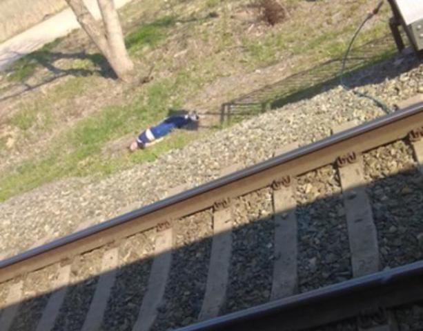 В Волгограде рядом с железнодорожными путями обнаружен мертвый подросток