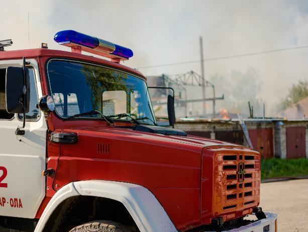 В Ленинске горел неисправный дымоход в бане