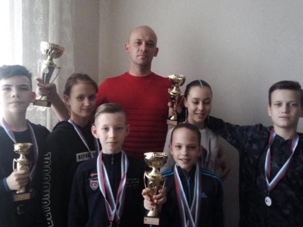 «Браво» из Волжского покорили российский танцевальный турнир