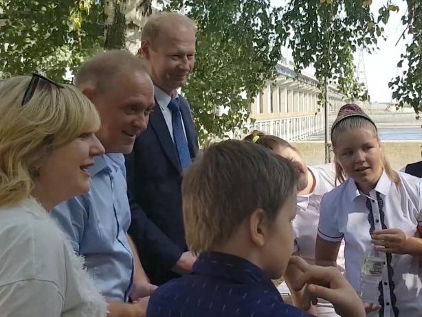 Экскурсия на ГЭС с мэром Волжского привела школьников в восторг