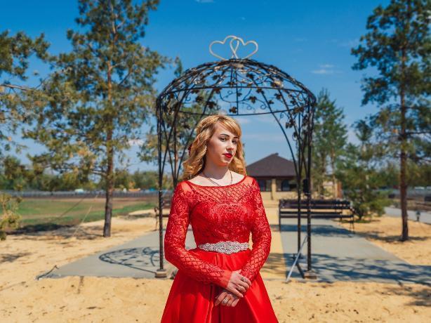 «Хочу проверить свои силы и возможности», - участница конкурса «Мисс Блокнот Волжский» Елена Наконечнова