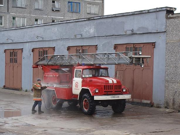 В Среднеахтубинском районе 2,5 часа тушили ночной пожар в доме