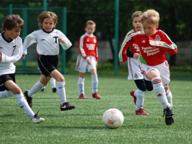 Уникальное футбольное поле подарят волжанам к юбилею города
