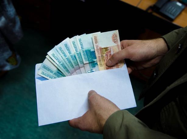 Заключенный волжской колонии пытался купить досрочную свободу за один миллион рублей