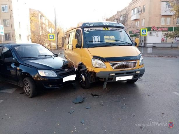 Девушка пострадала в ДТП с маршруткой в Волжском