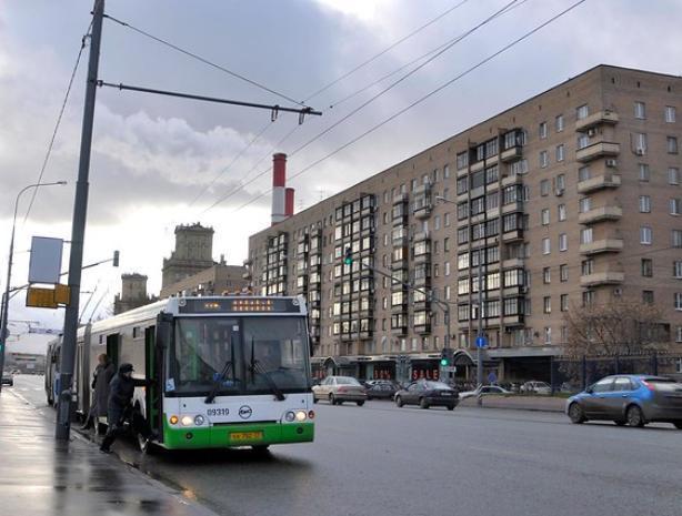 Волжские автобусы продолжают ронять пенсионеров в салоне