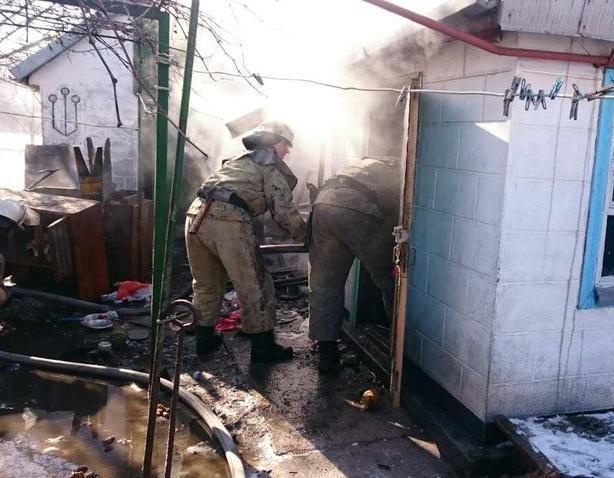 В Волжском СНТ загорелась летняя кухня