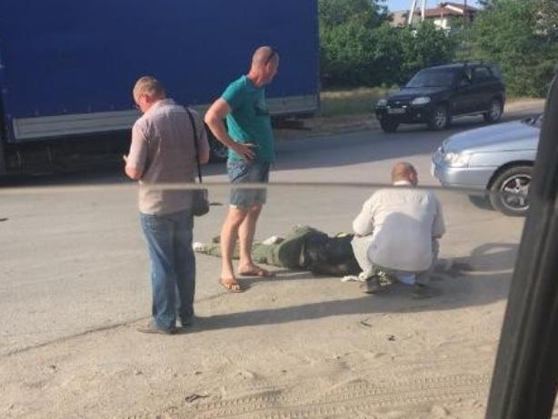 Опытный нарушитель ПДД сбил молодого мотоциклиста в Волжском