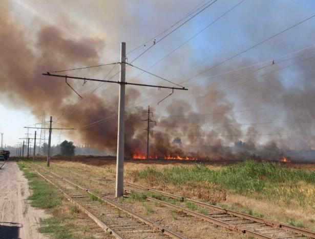 В Волжском сохраняется чрезвычайная пожароопасность