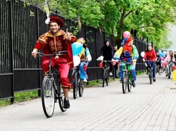Ранее отмененный из-за дождя костюмированный  велопробег состоится