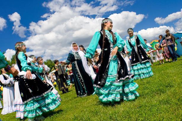 В Волжский на Сабантуй приедут знаменитые артисты из Казани