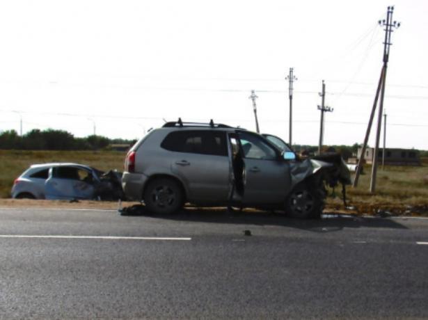От сокрушительного столкновения женщина-водитель погибла на месте
