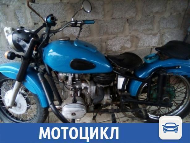 Раритетный мотоцикл продают по цене хорошего телефона в Волжском