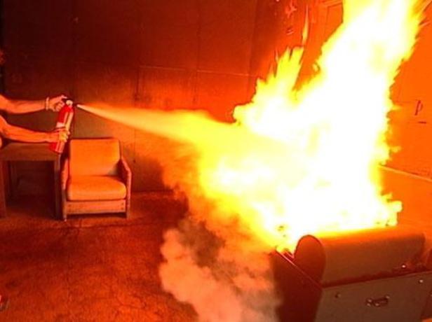 Выходные не прошли без ЧП: в пожаре пострадал волжанин