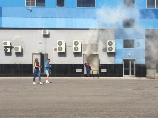 ВВолжском экстренно эвакуировали гостей «ВолгаМОЛЛа»