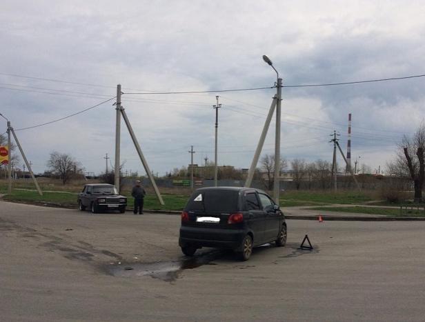 В Волжском молодая семья пострадала в ДТП