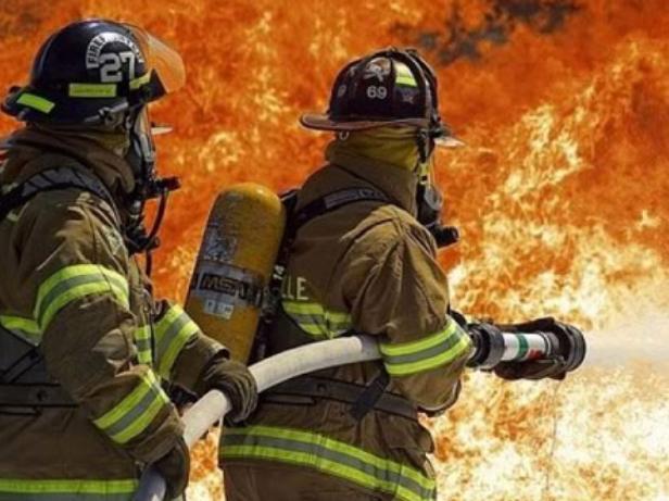 Огонь охватил один из домов Среднеахтубинского района