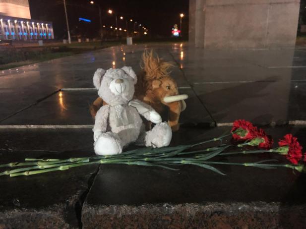 Волжане чтят память погибших в Керчи