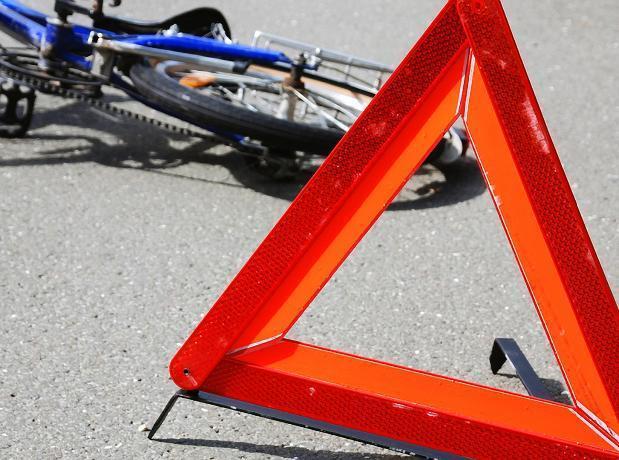 Не проскочил: Волжский «велогонщик» оказался под колесами авто