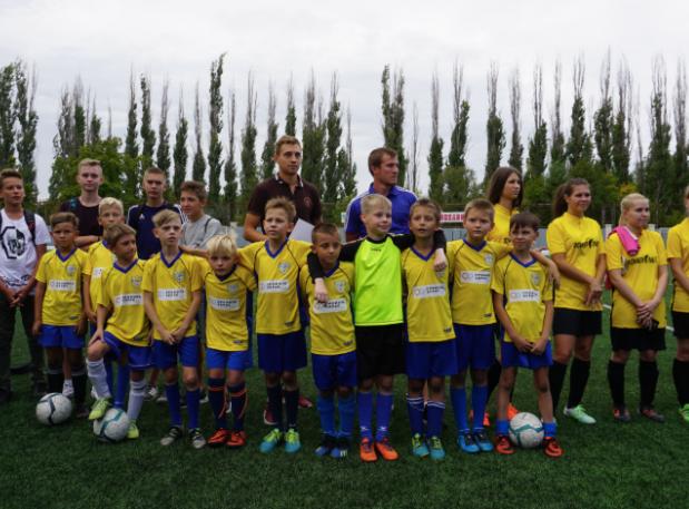 Дворовые футболисты из Волжского отправятся на матч Премьер Лиги