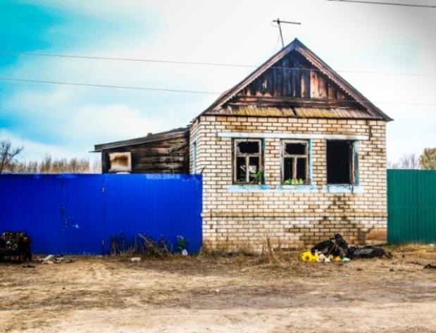 В Ленинске простятся с погибшими в пожаре малышами