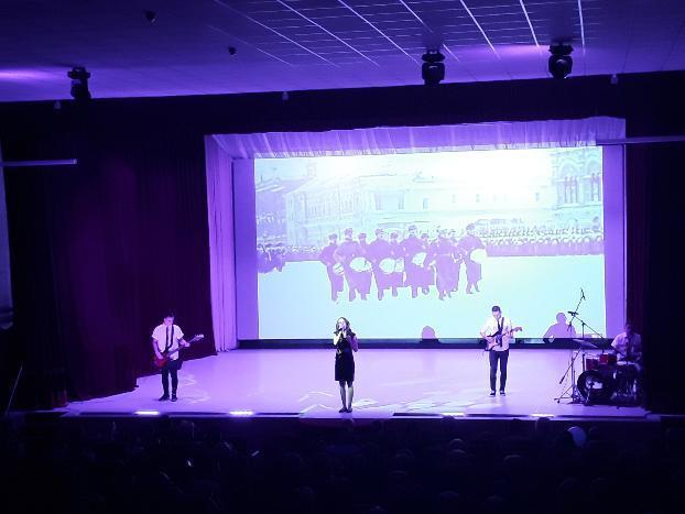 Под Волжским открылся новый 3-D кинотеатр