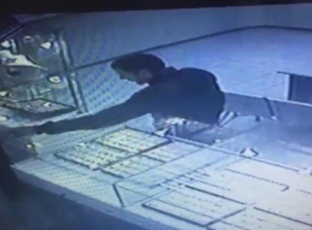 Дерзкая кража из ломбарда в Волжском