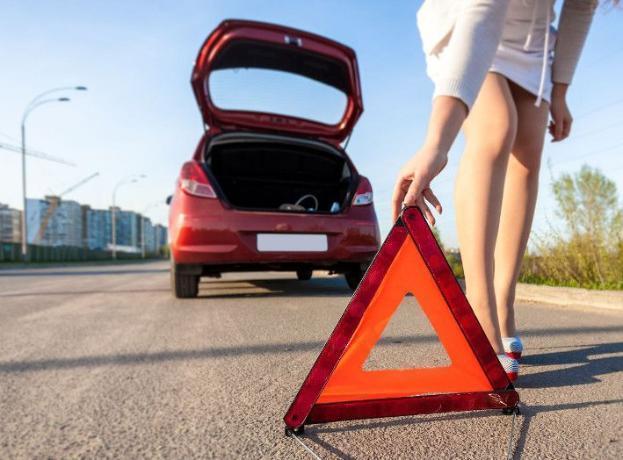 Автоледи сбила пешехода-нарушителя в Волжском