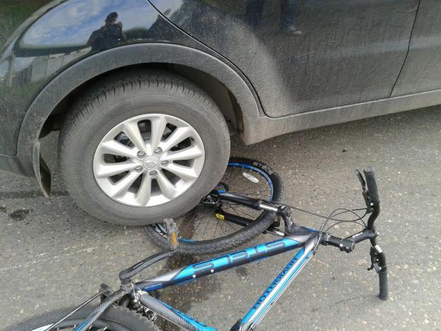 В Волжском 10-летний велосипедист оказался под колесами