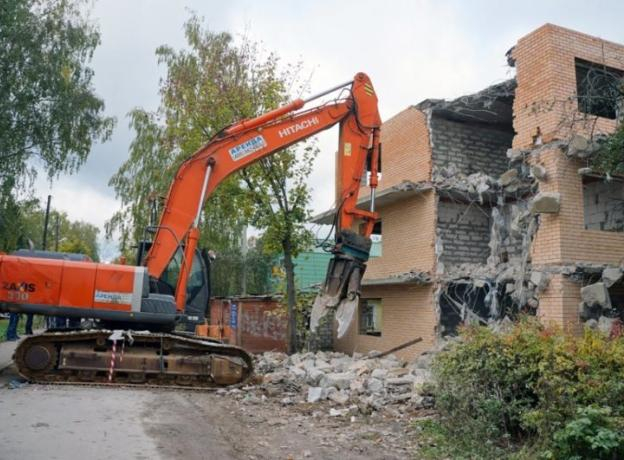 В Средней Ахтубе «взялись» за самовольные постройки