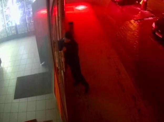 Непреодолимый «сушняк» заставил волжанина разбить витрину магазина