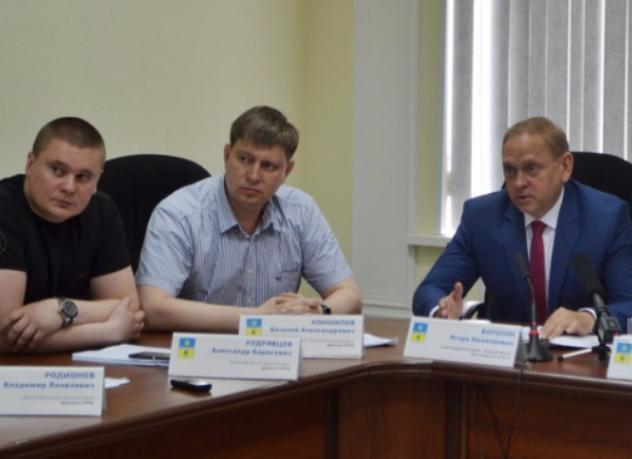 Чиновники Волжского потратят полмиллиона рублей на то, чтобы транслировать себя в прямом эфире