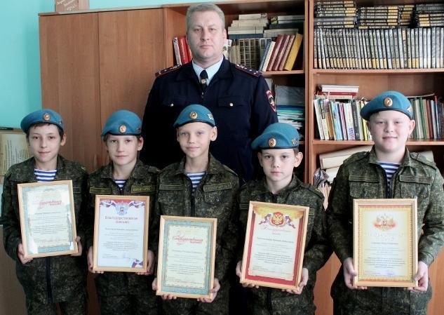 Одиннадцатилетние кадеты кинулись навстречу преступнику в Волжском