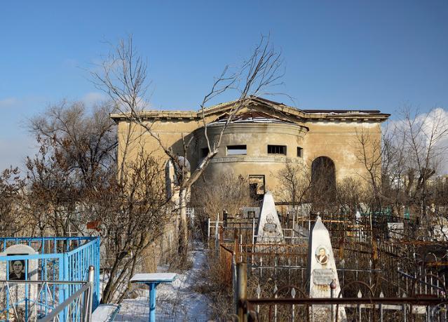 Больше 2,5 миллионов потратят на благоустройство волжских кладбищ