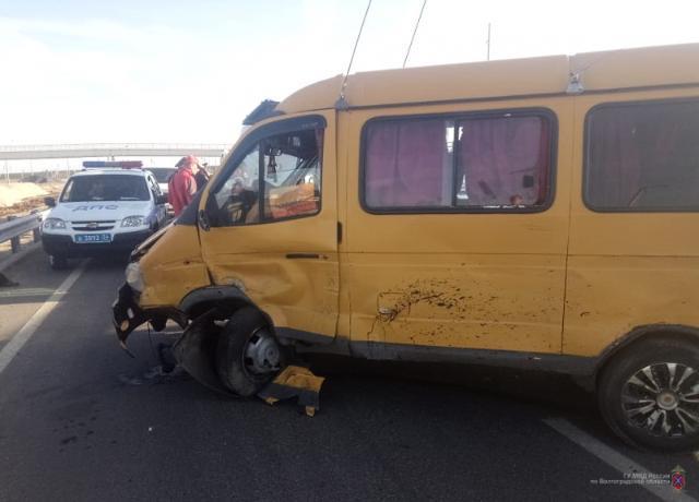 Семь человек в Волжском пострадали в ДТП за прошедшие сутки