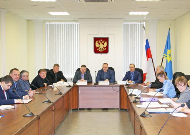 Волжские депутаты обсудили вопросы благоустройства и транспорта