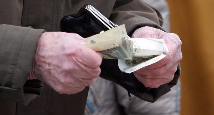 Неработающие пожилые люди Тверской области продолжат получать социальную доплату кпенсии